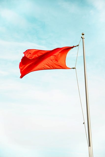 Red Flag 427x640