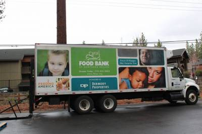 b2ap3_thumbnail_Food-Bank-04-2015-004.JPG